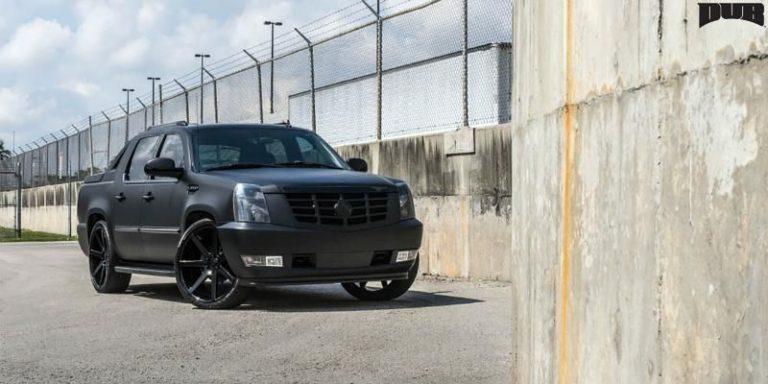 2020 Cadillac Escalade EXT looks more aggressive