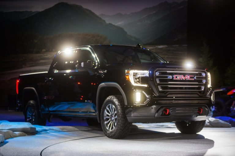2020 gmc canyon at4 redesign  specs - 2019